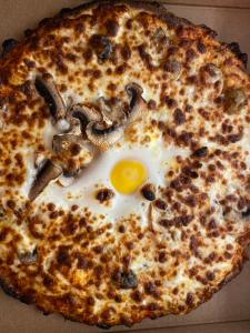 La pizza Capri du restaurant pizzeria grill le moulin à cherbourg