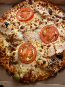 La pizza Carina du restaurant pizzeria grill le moulin à cherbourg