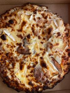 La pizza Cotentine du restaurant pizzeria grill le moulin à cherbourg