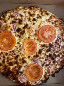 La pizza Provencale du restaurant pizzeria grill le moulin à cherbourg